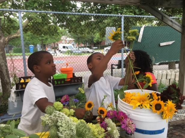 Bennett Flowers5 (kids arranging flowers)